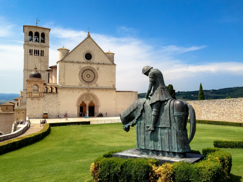 Cosa Vedere ad Assisi ? Te lo diciamo noi