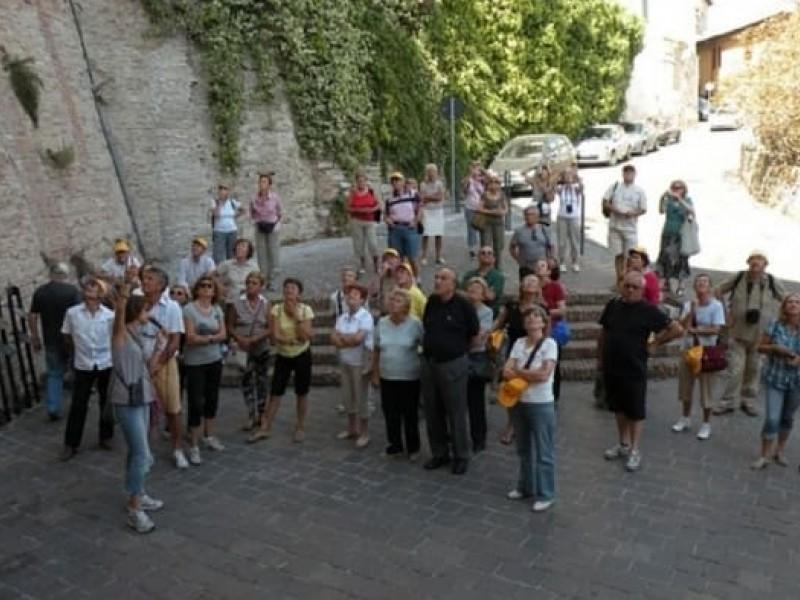 Noleggio auricolari per visite guidate in Umbria