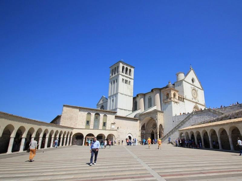 Che Dio ci aiuti 6 ad Assisi. Un tour per le location della fiction