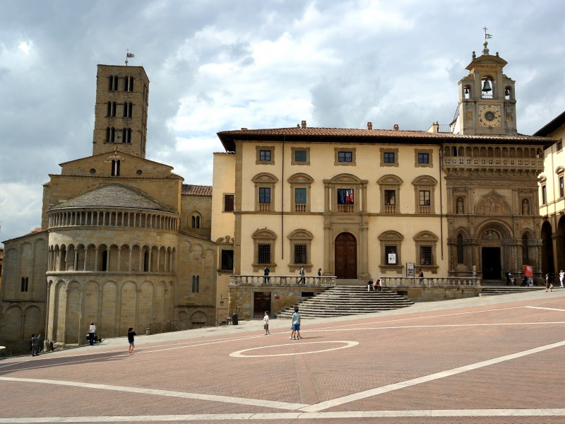 Arezzo Private Walking Tour