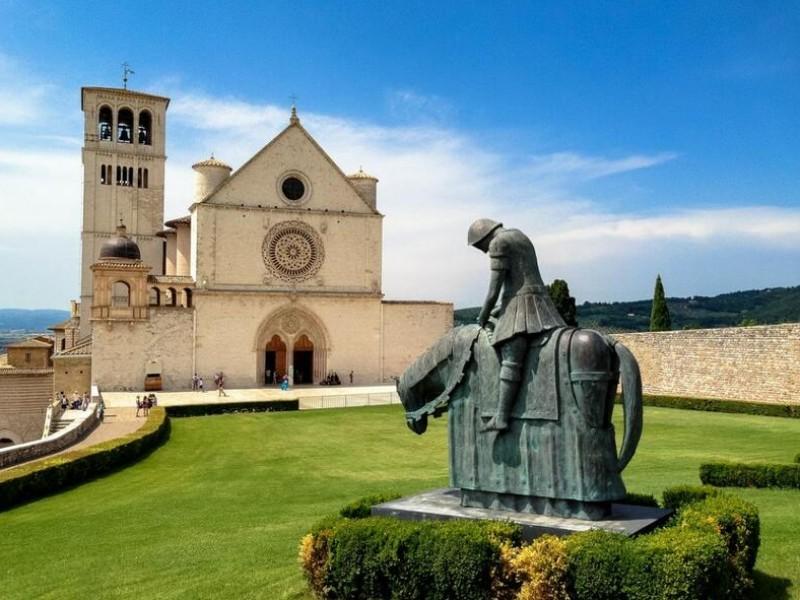 Assisi - Pacchetti vacanza con hotel in centro città