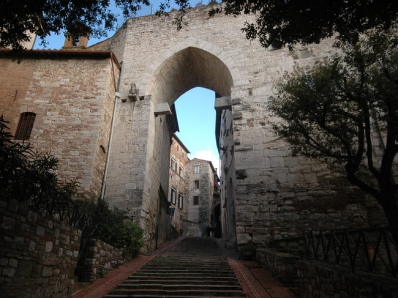 The secrets of Perugia. Underground and Etruscan tour