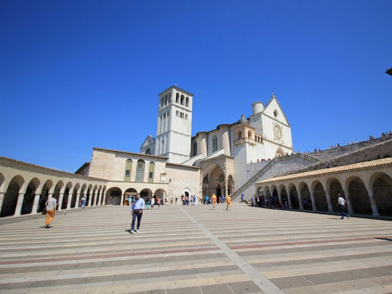 Assisi holiday package. Get the best holiday deals for Assisi