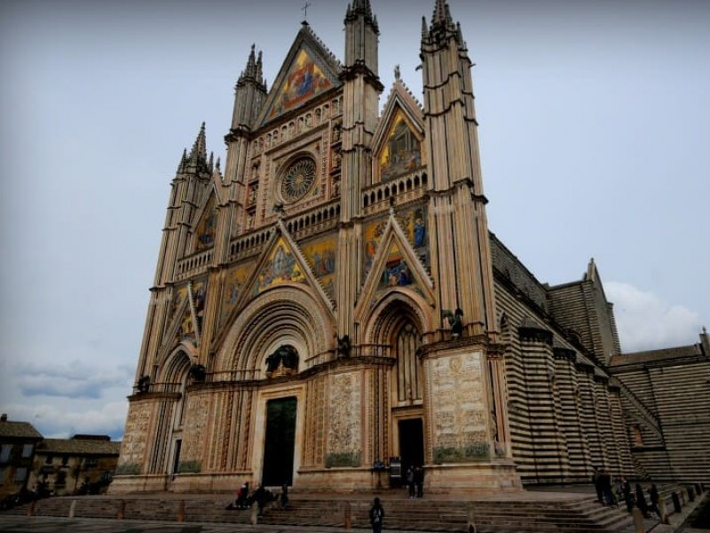 From Rome: Excursion to Assisi and Orvieto.
