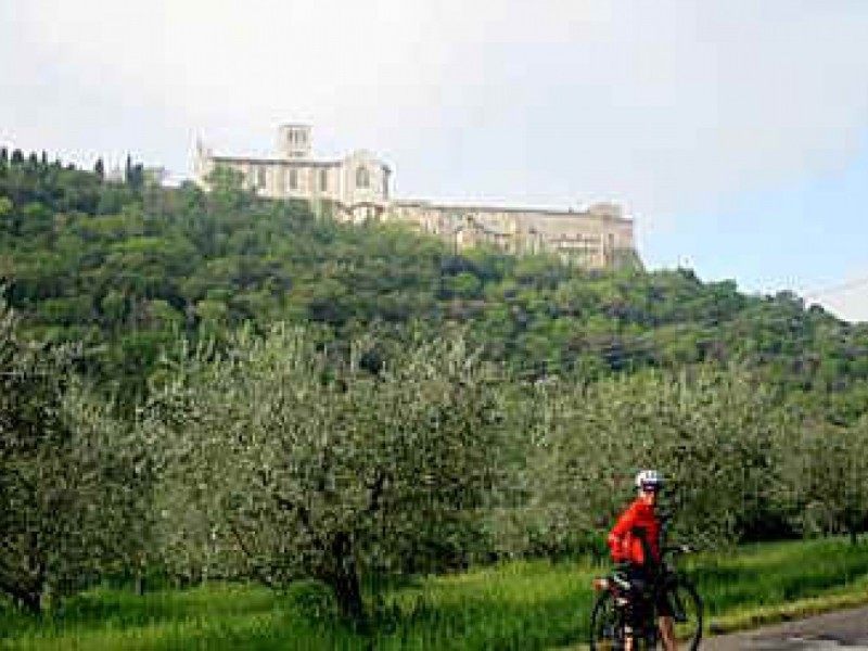 LA VALLE UMBRA IN BICICLETTA
