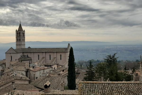 Vista da Piazza Santa Chiara